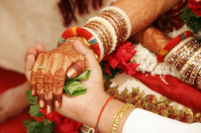 Acid Attack Survivors Nala Sopara resident Aarti Thakur, 27, will wed 32-year-old Prashant Pingle