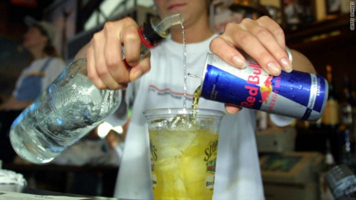 avoid mixing alcohol and energy drinks