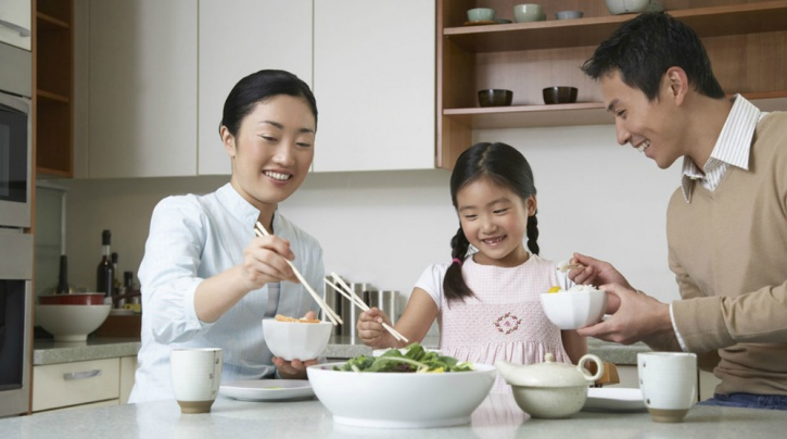 Dine together to inculcate healthy eating habits