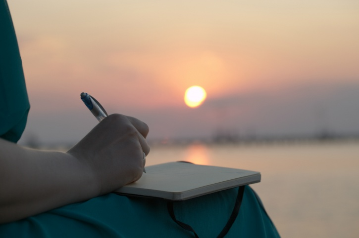 writing your goals in the morning helps beat depression