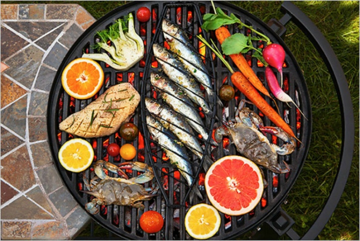 Grilling meat has long been associated with caner because of the chemical compounds that change inside the meat. In fact, regular consumption of grilled meat can cause DNA changes in your body that could lead to cancer.  What to do? You don