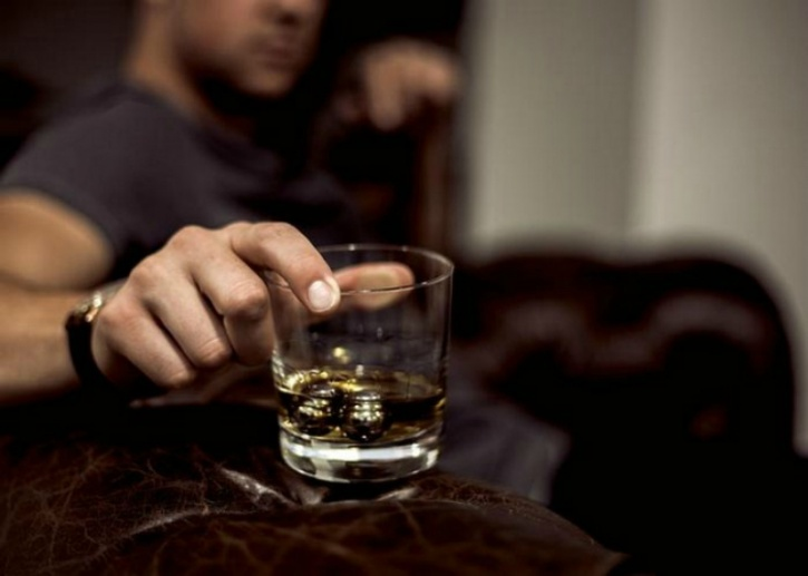 A religious whiskey may insist having his drink on the rocks or with a dash of water added to it. Well, it turns out there's good reason for that and one that now even science seconds.