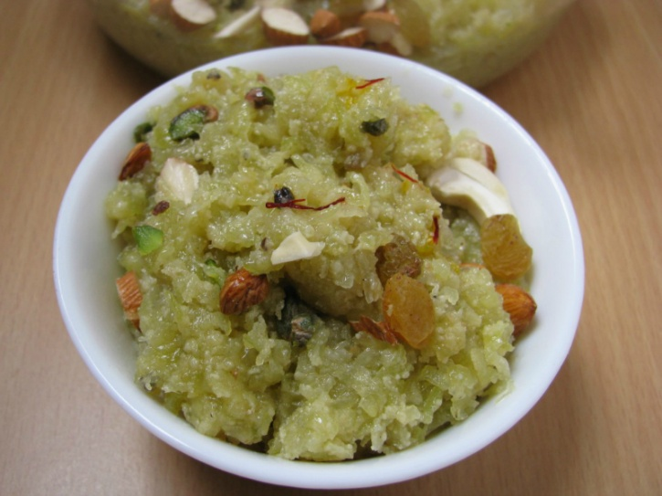 Lauki (bottle gourd) halwa: Made from a teaspoon of ghee, bottle gourd, low fat milk, cardamom powder and stevia this makes for an interesting combination that is diabetic friendly.