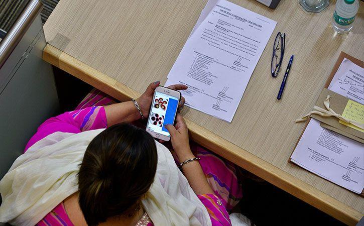29 Percent Female Internet Users In India