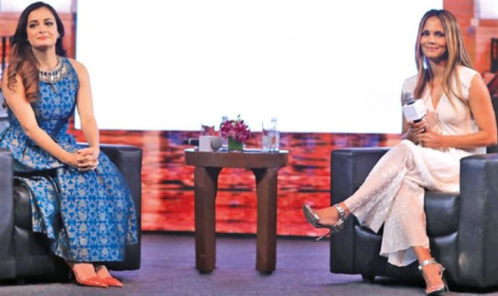 A picture of Diya Mirza with Hollywood star Halle Berry discussing climate change