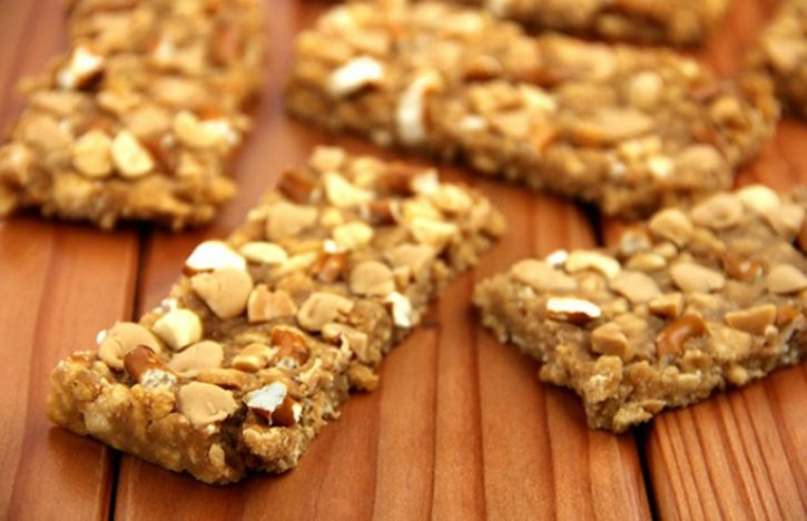Did You Know That Protein Bars Can Hold As Much Fat As A Hamburger? Here's How To Pick A Healthy One