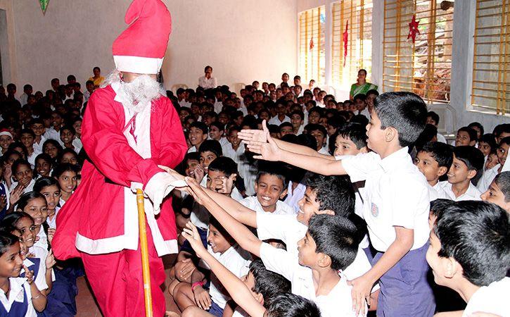 Hindu Jagran Manch Asks Christian Schools Not To Celebrate Xmas