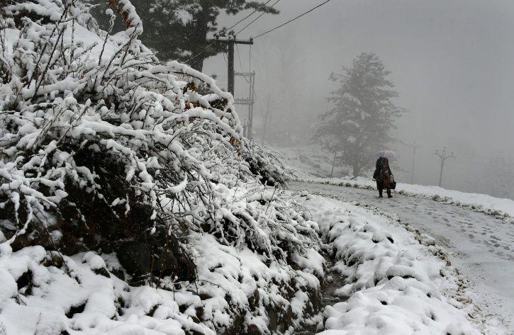 Jammu And Kashmir Gets First Snowfall