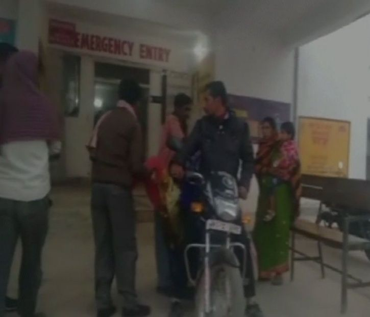 Jharkhand Man Forced To Carry The Body Of His Daughter On Bike