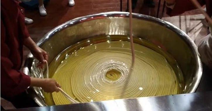longest noodles china