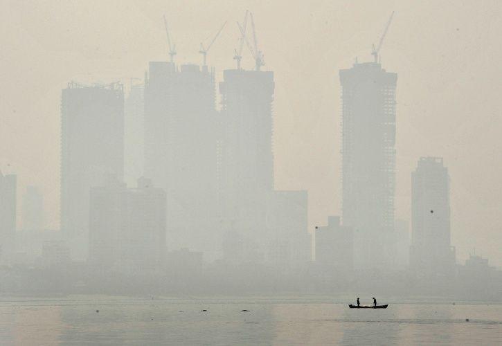 Mumbai Hit By Smog