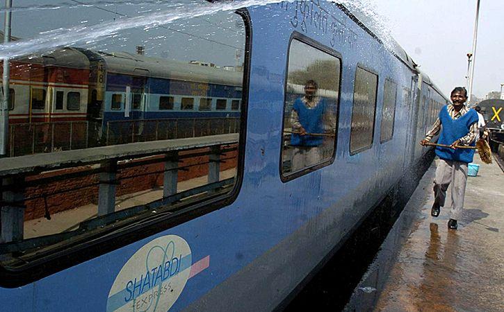 Mumbai Shatabdi To Get Coach With Aircraft Like Facilities
