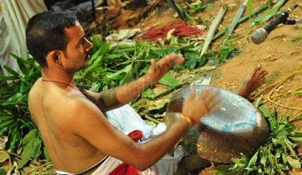 Padayani Thappu