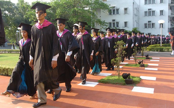 Parliament Clears Bill Empowering IIMs To Grant Degrees