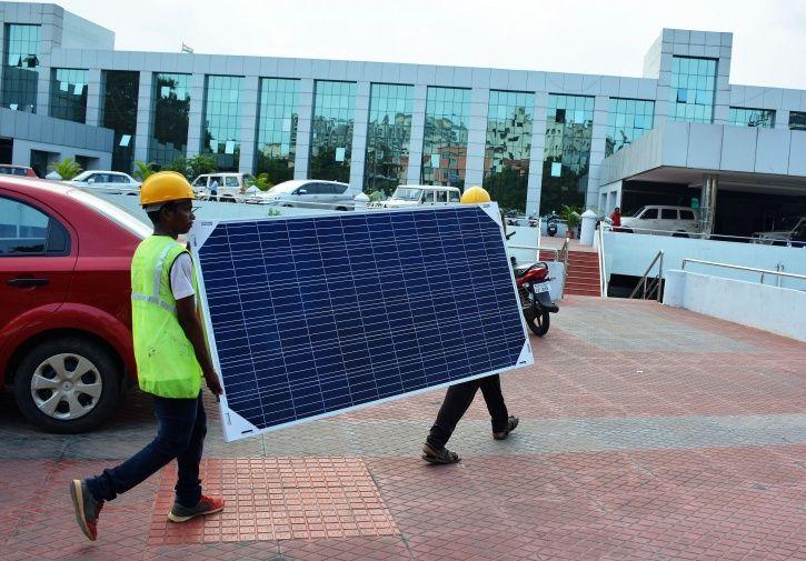 Patanjali Sets Eyes On Solar Power Equipments