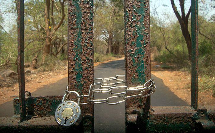 Swiss Couple Locked In Agra Park