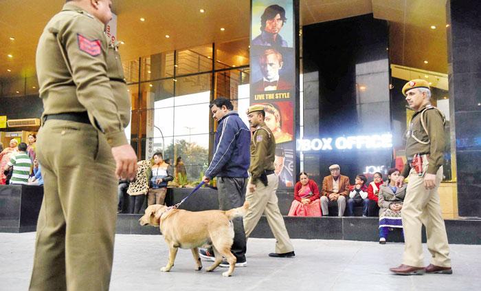 Delhi Police Nab Wanted Criminal