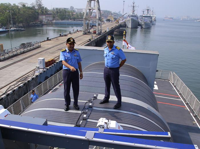warship solar light