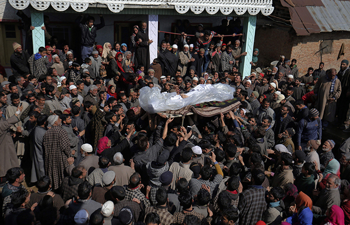 Thousands of people joined the Funeral of Lance Naik Mohiuddin Rather