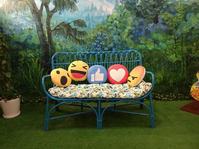 facebook bandstand