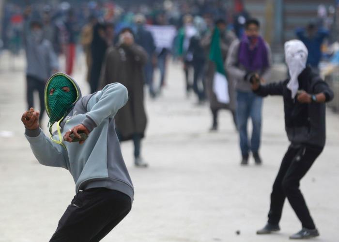 Kashmir Stone Pelting