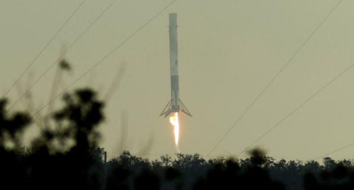 SpaceX Falcon 9 rocket lands successfully at Cape Canaveral Base