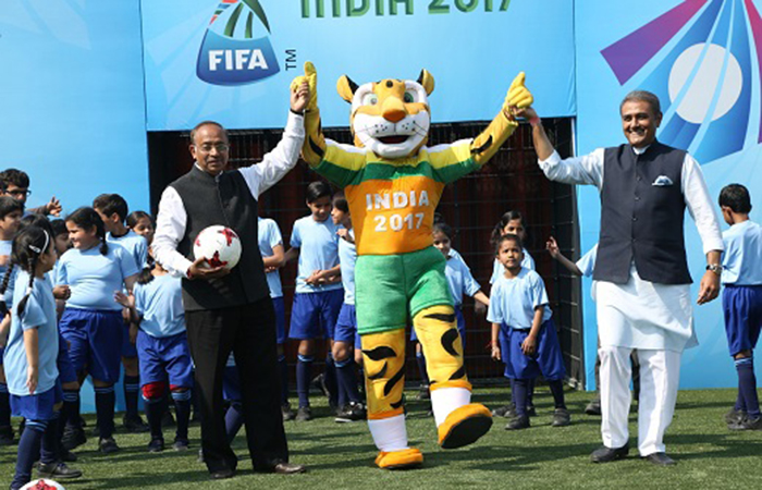 Vijay Goel with Muscot
