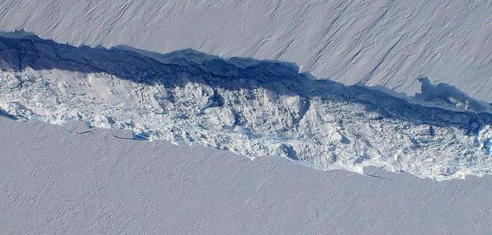 Larsen C ice shelf crack