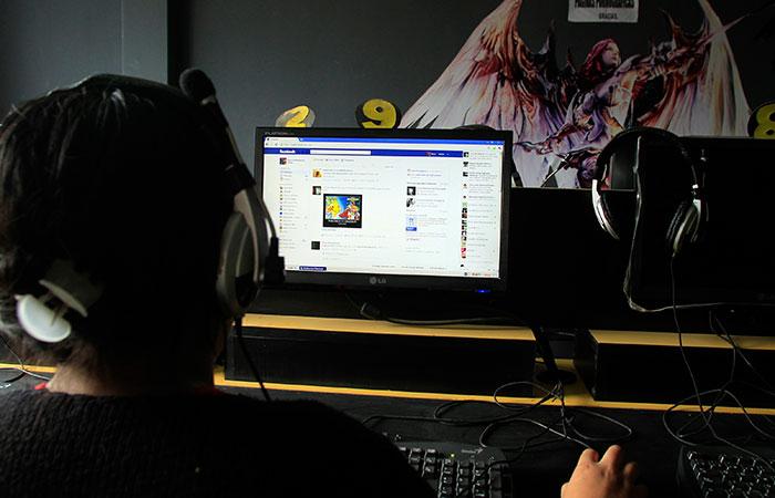 Women Using Facebook