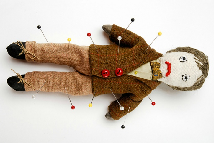 Couples stick pins into voodoo dolls after being hungry