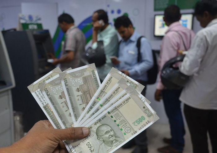 Now You Can Withdraw Rs.10,000 From The ATM!