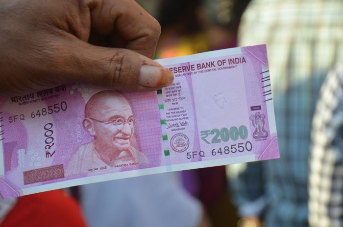 RBI 2000 Note