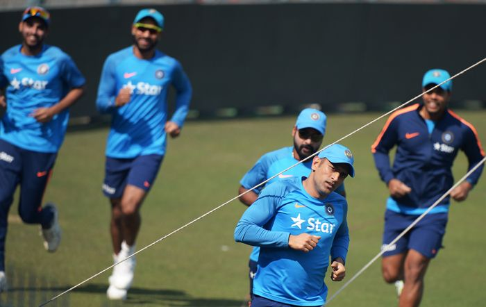 Dhoni Training session at Eden Gardens