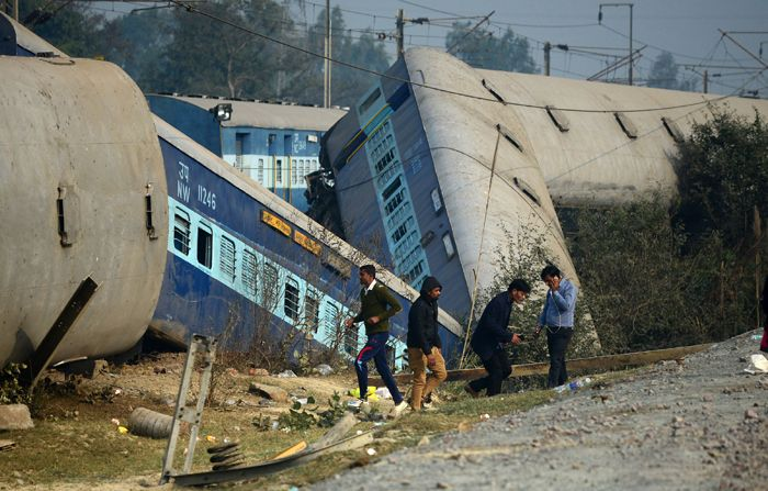 rail accidents kanpur