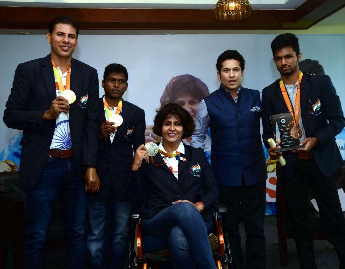 Paralympians with Sachin Tendulkar