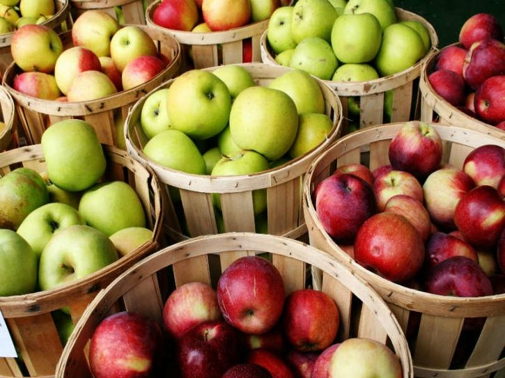 This wonder food score very high on the satiety index and contain a high level of pectin, which means that they help you feel full for longer, are low in calories and contain an abundance of soluble fibre. They also contain over 85 percent water, which gives mass without adding too many calories. Just make sure you have whole fruit and not juice to reap its benefits