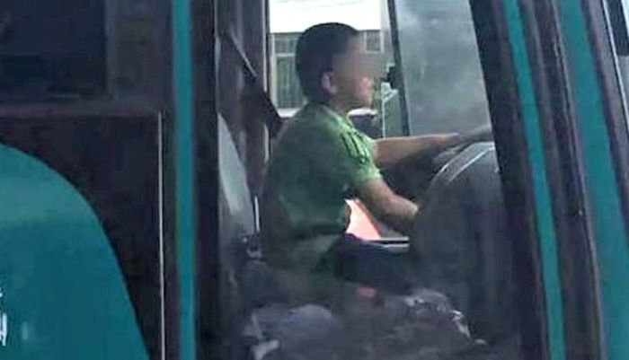 boy steals bus in China