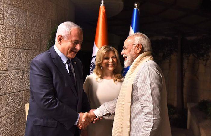 Modi with Netanyahu and his Wife
