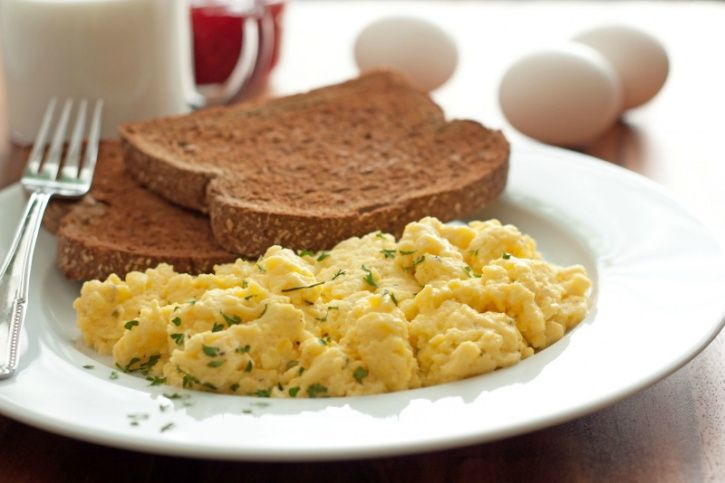 Cereal servings are often smaller in size that your traditional bowls and often compensate on the amount of protein. Eggs in all its forms: hard-boiled, scrambled, omelette or a sunny side up has far more protein with a negligible amount of calories.