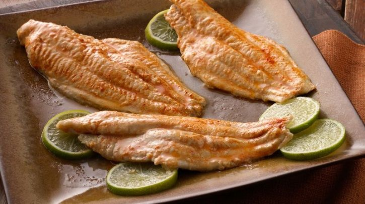 Eating fish has become the gold standard for attaining your daily intake of omega-3s, but did you know it also ranks as one of the highest when it comes to keeping you satiated. Studies also show that it scores higher than other sources of meat, such as beef, when it comes to keeping your full