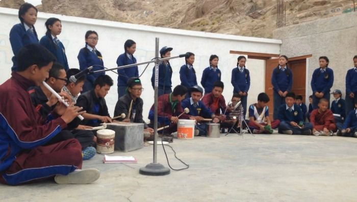 students make music from trash