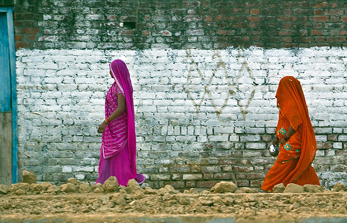 Womens Going Toilet