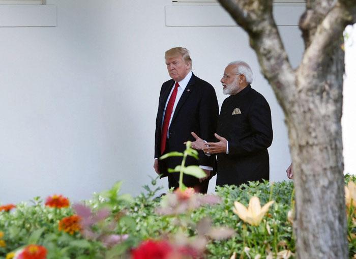 modi and  trump meet