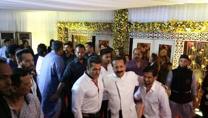 Salman Khan, SRK at Baba Siddiqui's Iftar Party 2017