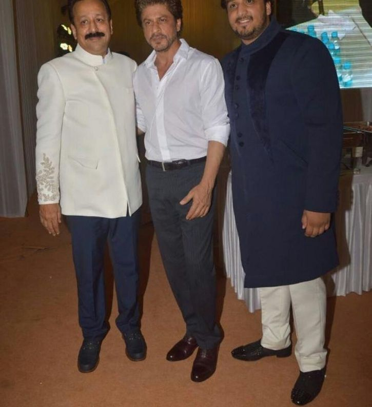 SRK at Baba Siddiqui's Iftar Party