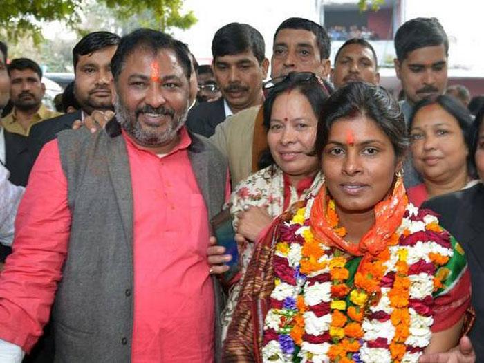 Dayashankar back in BJP