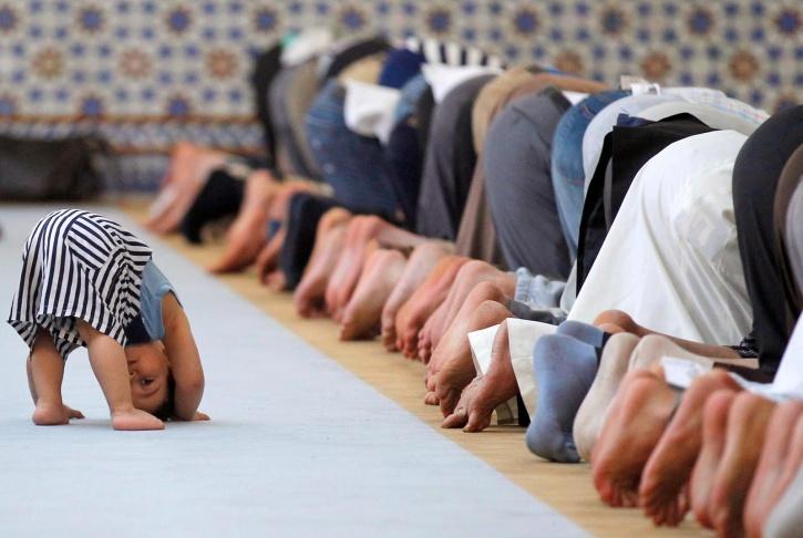 Lower back pain relief in Islamic prayer ritual