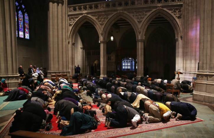 Proper knee and back angle for prayer