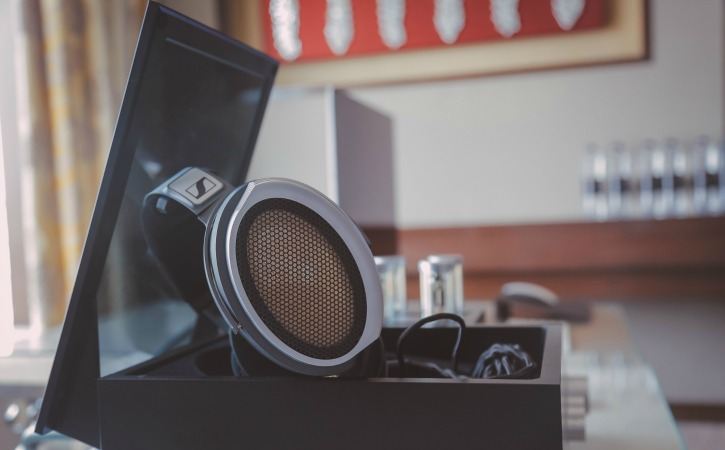 Sennheiser HE 1: This Is How Music On The World
