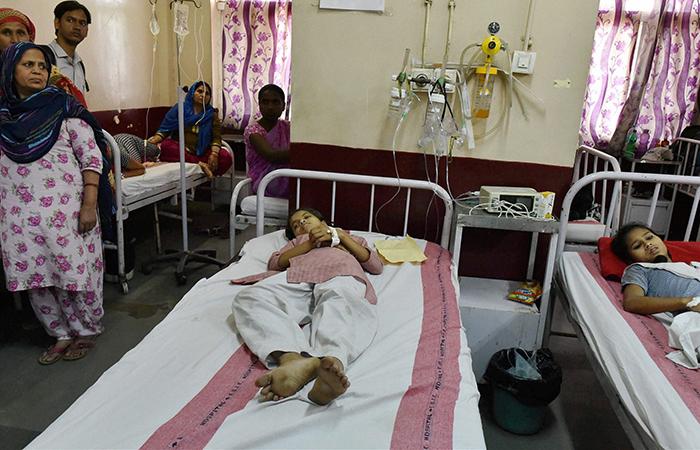 Chemical leak in Delhi lands 487, including school kids, in hospital